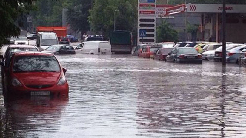 VIDEOS: Se avecina la 'tormenta del siglo' en Moscú