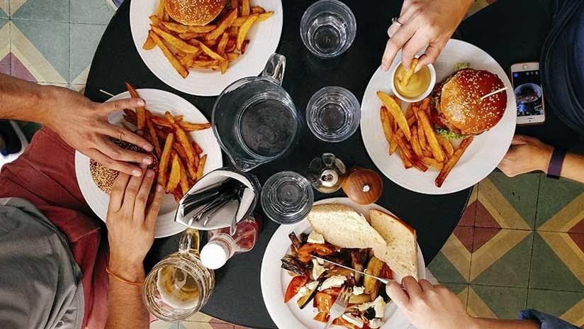La verdad detrás de los titulares sobre alimentos que causan cáncer