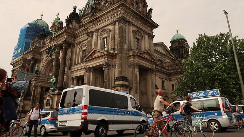 Tiroteo dentro de la catedral de Berlín: Hay dos heridos