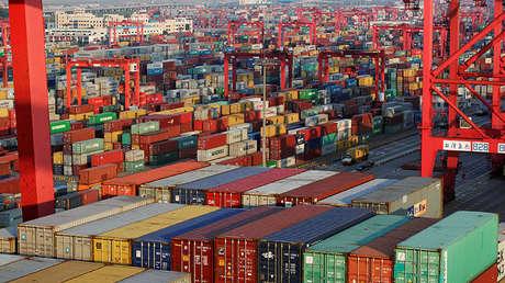 Contenedores en el puerto de Yangshan en Shanghái (China), el 24 de septiembre de 2016.