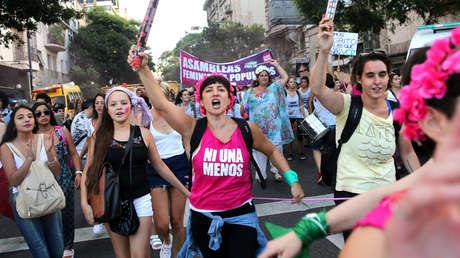 Mujeres se manifiestan en Buenos Aires durante el Día Internacional de la Mujer el 8 de marzo de 2018