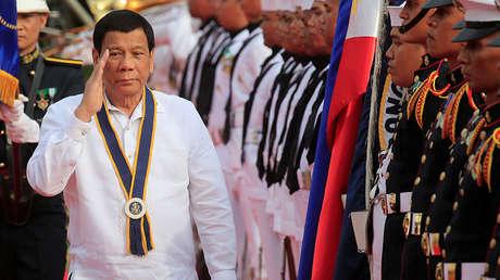 El presidente filipino Rodrigo Duterte durante los actos por el 120.º aniversario de la Armada en Manila el 22 de mayo de 2018.