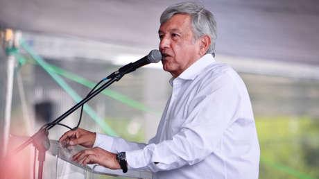 Andrés Manuel López Obrador, de gira por Cuautitlán Izcalli, México, el 13 de abril de 2018.