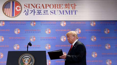 Donald Trump después de la reunión con Kim Jong-un en el hotel Capella de la isla Sentosa, Singapur, el 12 de junio de 2018.