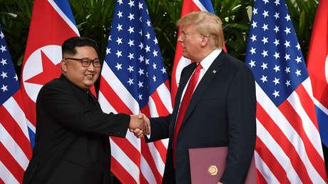 El líder de Corea del Norte, Kim Jong-un, y el presidente de Estados Unidos, Donald Trump, Singapur, 12 de junio de 2018.