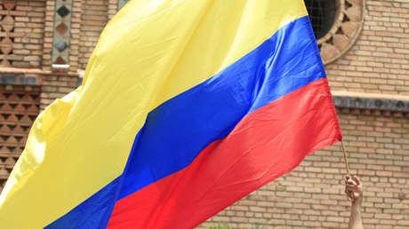 El pueblo de Colombia acude hoy a la segunda vuelta electoral para elegir a su presidente.