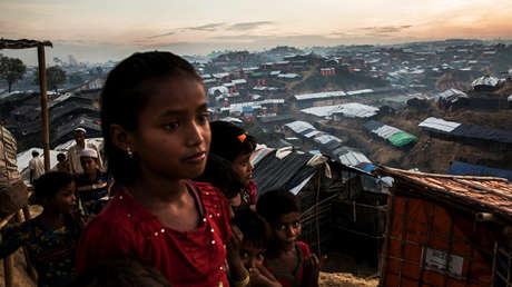Una niña refugiada rohingya en el campamento de refugiados de Palong Khali, en el sureste de Bangladesh.