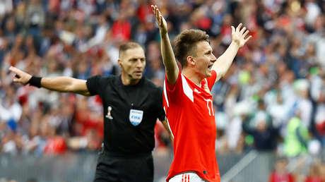 Momento del partido entre Rusia y Egipto. San Petersburgo 19 de junio de 2018.