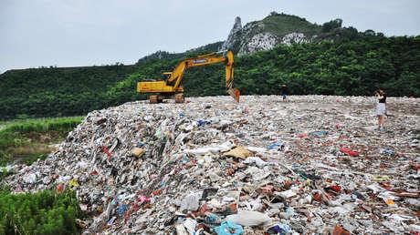 Un vertedero cerca del lago Taihu, en la provincia china de Jiangsu, el 4 de julio del 2016