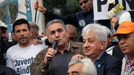 Juan Carlos Schmid, dirigente de la CGT, durante una protesta en Buenos Aires el 14 de mayo de 2018