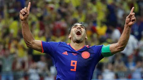 Radamel Falcao celebra tras anotar el segundo gol para Colombia en Kazán, Rusia, el 24 de junio de 2018.