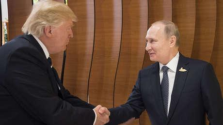 El presidente de EE.UU., Donald Trump, y el presidente de Rusia, Vladímir Putin.
