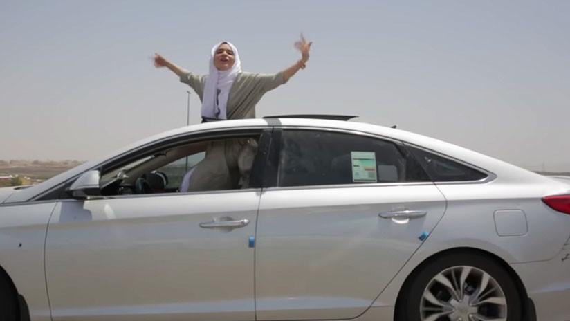 """VIDEO: """"Nosotras manejamos"""", la canción viral de una rapera saudita que celebra poder conducir"""