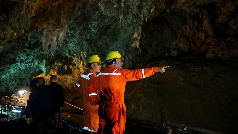 Así encontraron a 12 niños y su entrenador atrapados durante 10 días en una cueva de Tailandia