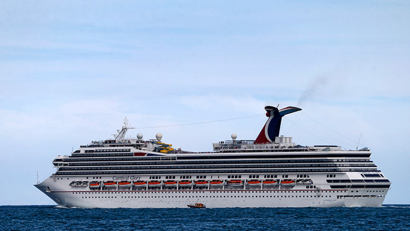 Un empleado de un crucero cae por la borda cerca de Cuba y aparece vivo 22 horas después