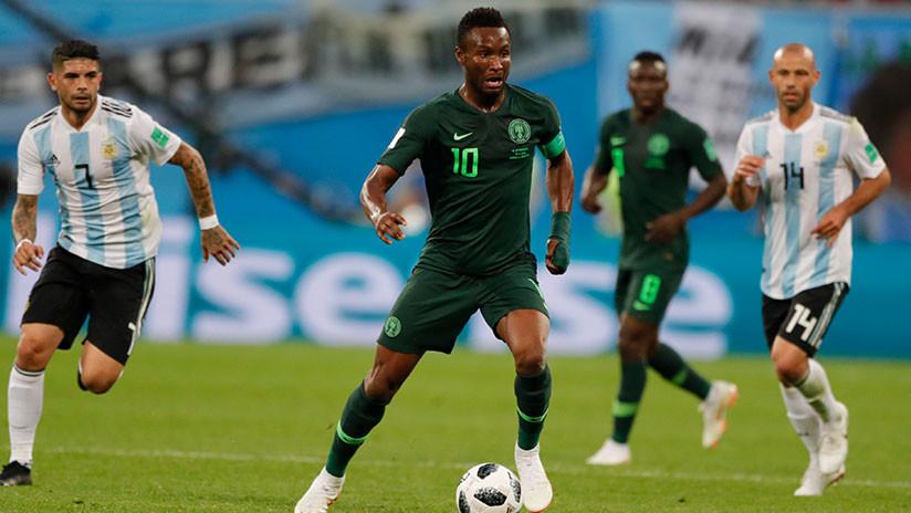 """""""Mataremos a tu padre"""": el drama de un futbolista nigeriano antes del partido contra Argentina"""