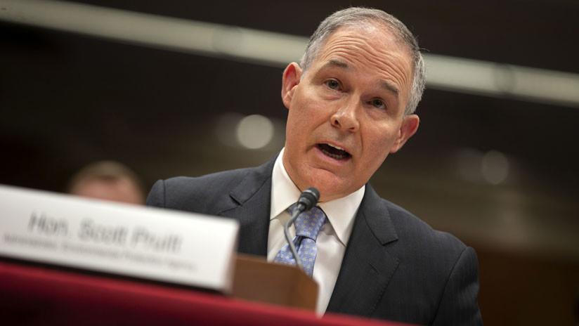Trump acepta renuncia del jefe de agencia ambiental en medio de escándalos