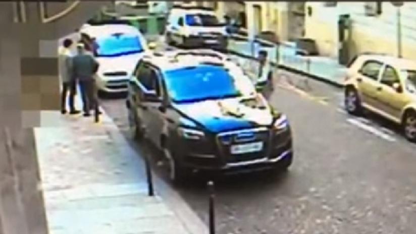 VIDEO: Roban a lo 'GTA' el coche de un agregado israelí con documentos clasificados en su interior