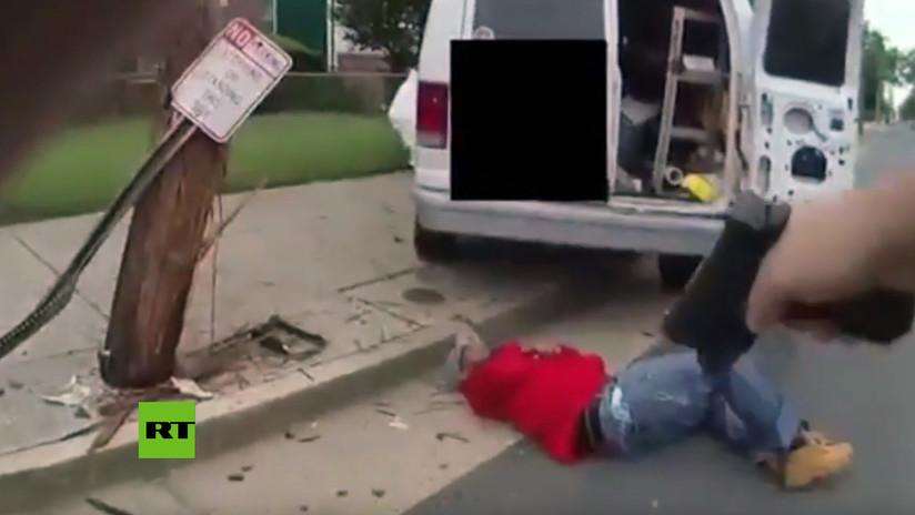 FUERTE VIDEO: En EE.UU un policía acribilla a un hombre que lo apuñaló sin motivo (18+)