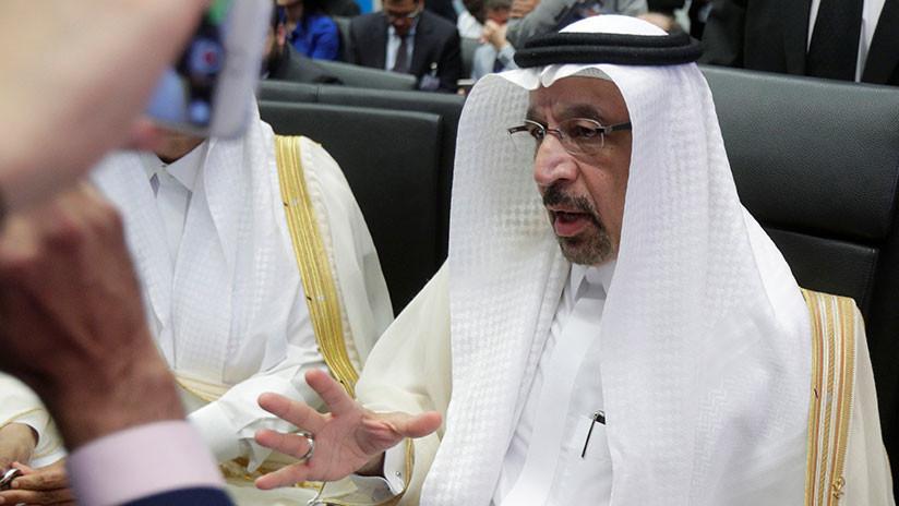 Riad planea el primer cambio en la fórmula del precio de crudo en décadas