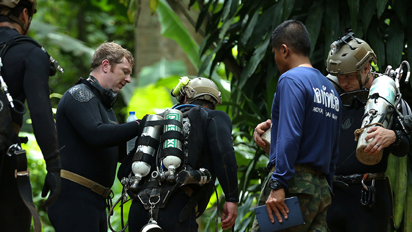 Muere un socorrista en la cueva de Tailandia donde se encuentran atrapados los 12 niños