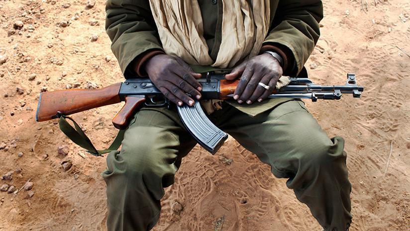 Um curandeiro nigeriano morre colocando um amuleto à prova de balas à prova