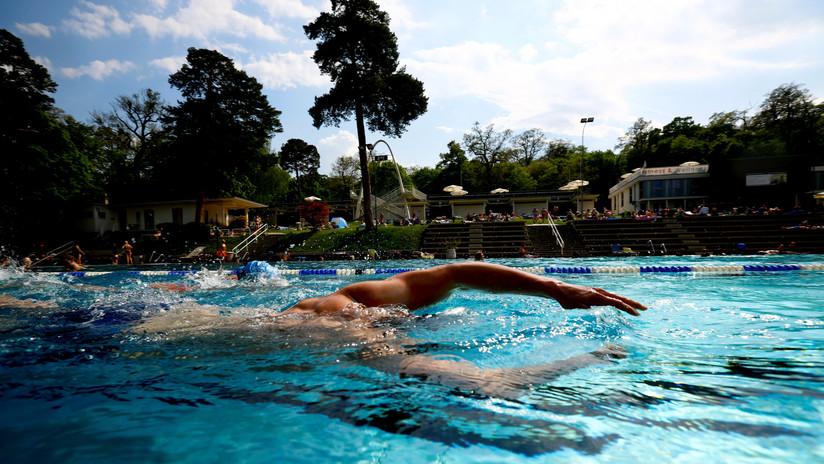 Un conflicto racial en la piscina le cuesta el trabajo a un hombre en EE.UU.
