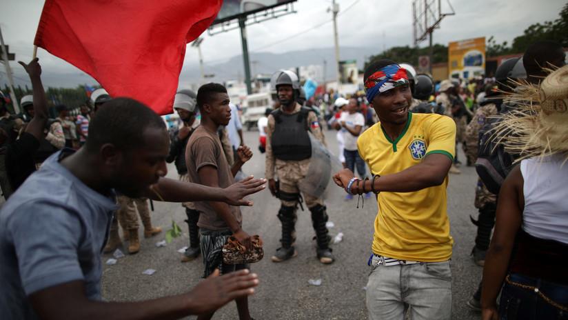 Disturbios en Haití por subida de precios: bloquean a cientos de huéspedes de un hotel en la capital