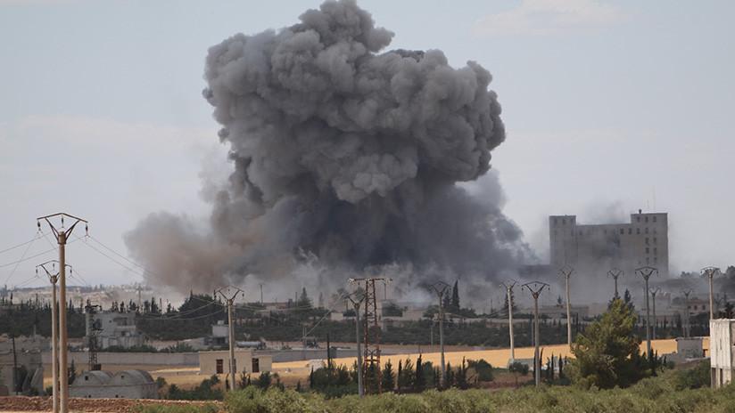 Las fuerzas antiaéreas sirias impactan un caza israelí cuando atacaba una base aérea en Homs