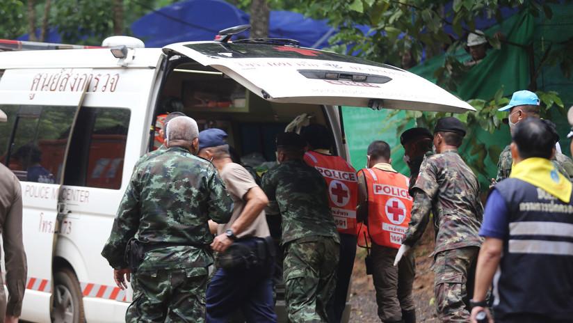 FOTOS, VIDEO: Así fue el rescate de 4 de los 12 niños atrapados en una cueva en Tailandia