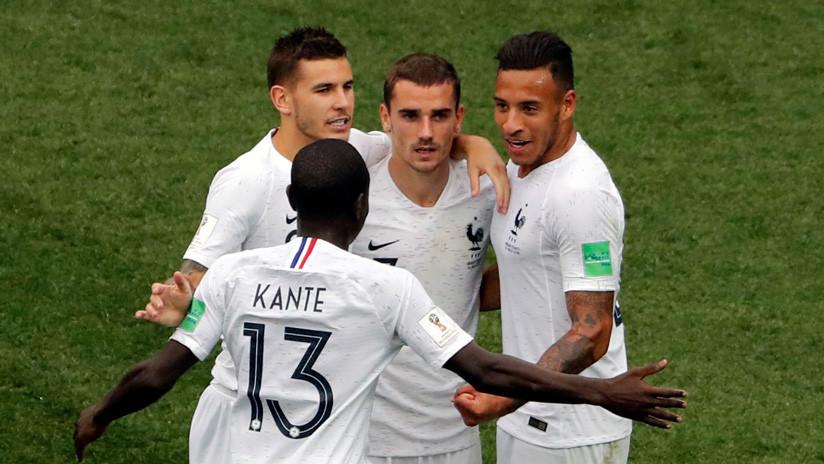 Los jugadores de Francia provocan un alerta de incendio tras festejar su triunfo sobre Argentina