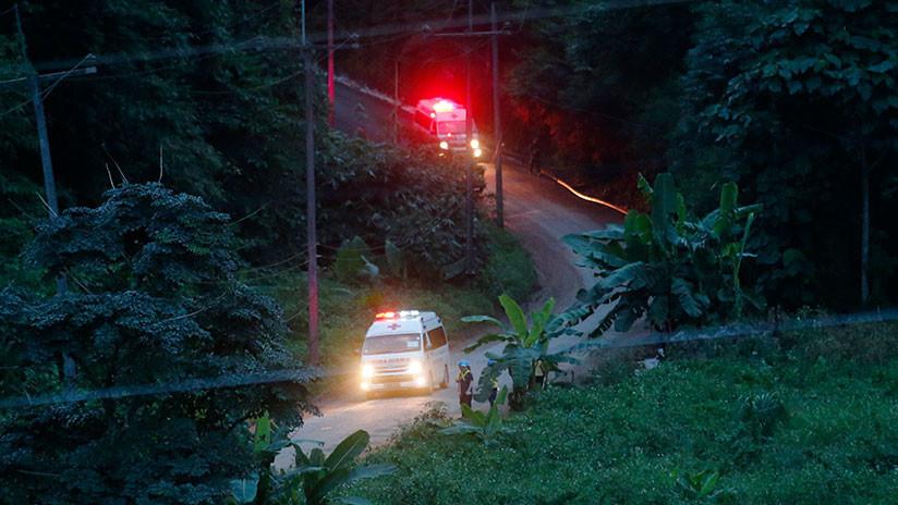 Revelan cómo se encuentran los ocho niños rescatados de la cueva tailandesa