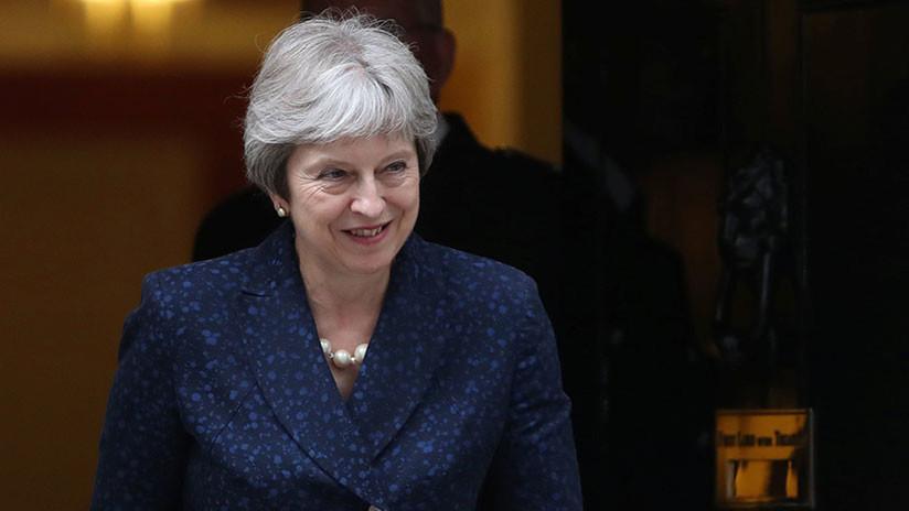 VIDEO: Theresa May desata las risas en el Parlamento al homenajear a Boris Johnson