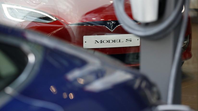 Tesla vuelve a fallar en un test de frenaje y rechaza los resultados (FOTOS)