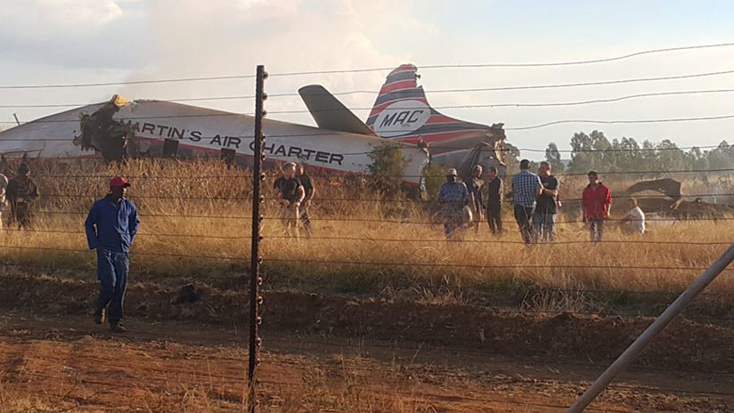 Un muerto y 19 heridos al estrellarse una avioneta en Sudáfrica