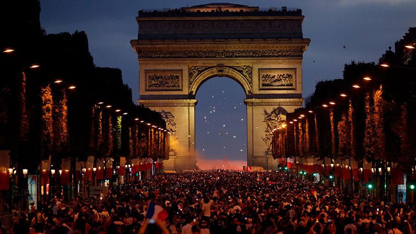 VIDEO: Locura en París tras la victoria de Francia ante Bélgica