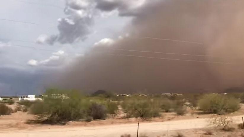 VIDEO: Tormenta de arena 'apocalíptica' azota el desierto en Arizona