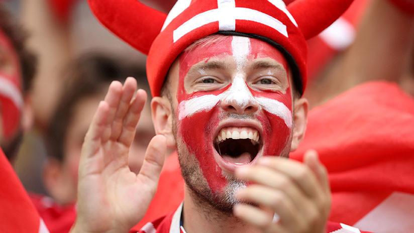 """""""¡Tetas grandes!"""": La FIFA multa a la selección de Dinamarca por un eslogan sexista de su afición"""