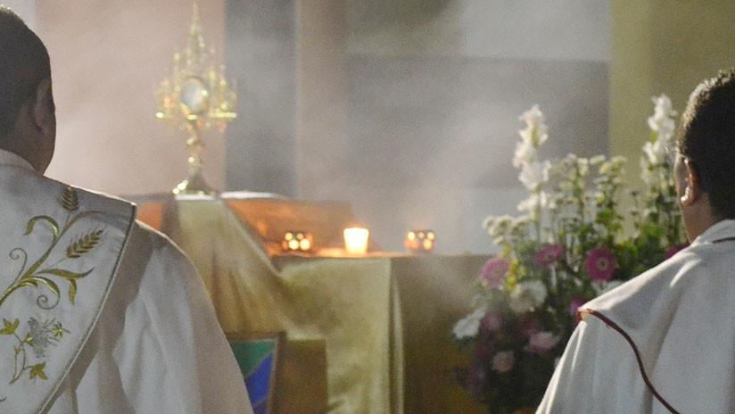 FOTOS: Detienen a alto sacerdote chileno bajo cargos de abuso sexual de menores y estupro