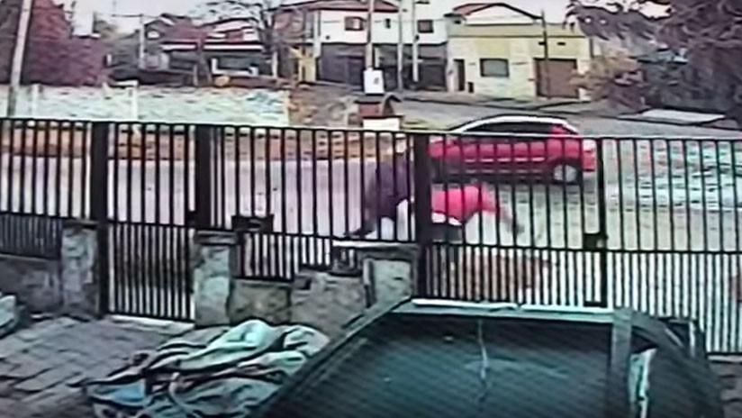 VIDEO: Tres hombres frustran el intento de secuestro de una mujer en Argentina
