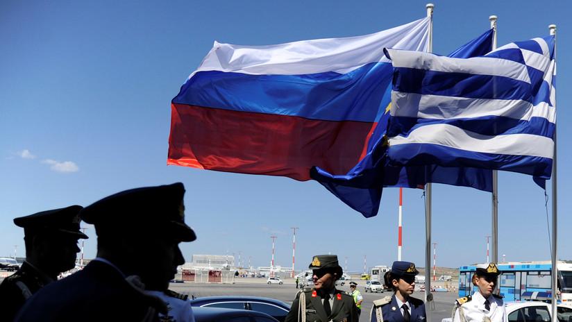 Moscú: EE.UU. está detrás de la decisión de Grecia de expulsar a dos diplomáticos rusos del país