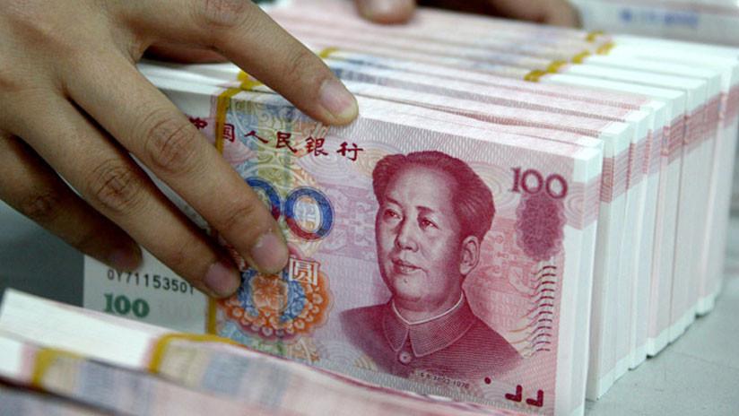 China vuelve a devaluar el yuan en medio de la disputa comercial con EE.UU.