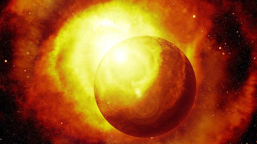 Astrónomos se asombran: Una estrella bebé parece estar 'comiéndose' algunos planetas (VIDEO)