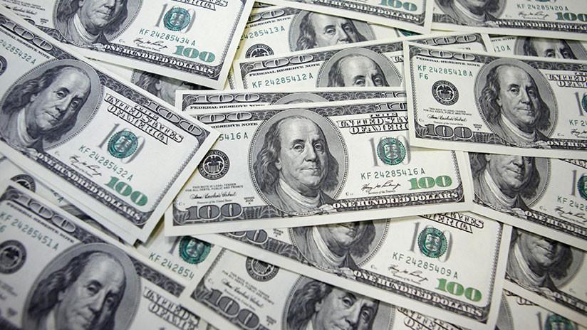 Una mujer de EE.UU. devuelve un millón de dólares que un banco le trasfirió por error