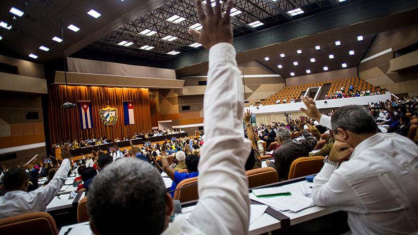 El Parlamento de Cuba aprueba el proyecto de la nueva Constitución del país