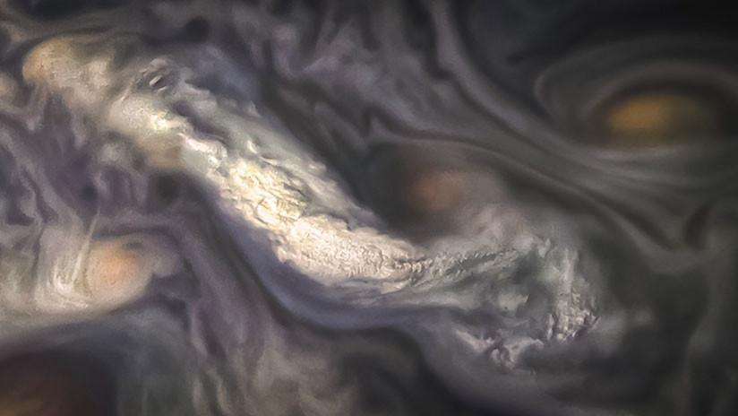 FOTO: La NASA publica una fantasmagórica fotografía de las nubes de Júpiter