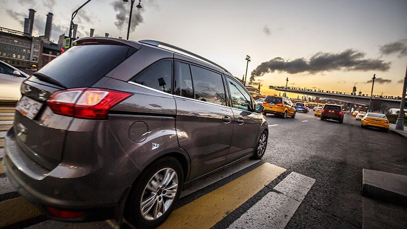 El Ministerio de Defensa ruso planea 'reclutar' coches privados si hay una guerra
