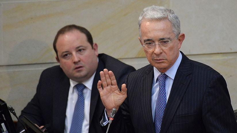 Colombia: Álvaro Uribe renuncia a su escaño en el Senado