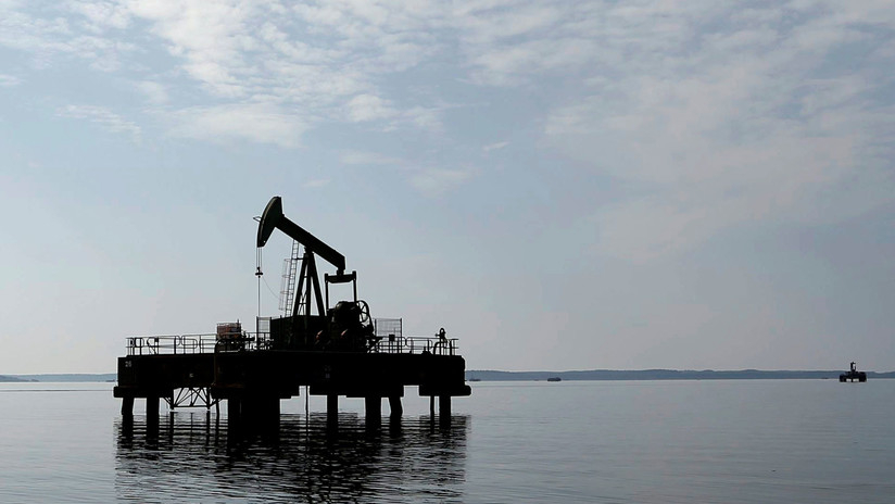 El cuidado del medio ambiente podría disparar el precio del petróleo y hacer colapsar la economía