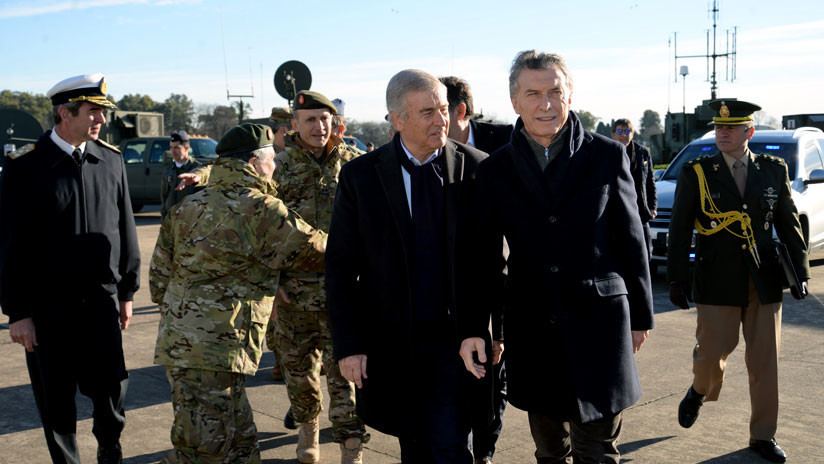 """""""No a la militarización de Argentina"""": Rechazo a los cambios de Macri en las Fuerzas Armadas"""